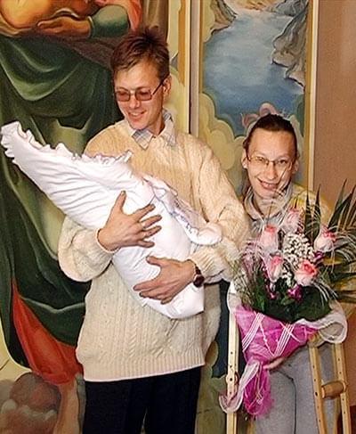 счастливая Таня с мужем Володей и дочуркой Настенькой