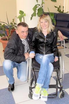 У меня в жизни есть только одна ценность — Лена. Мы с ней срослись, стали единым целым, — говорит Александр Котляренко. — Я без нее уже не могу