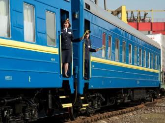 Уряд України пропонує відвести 15% нижніх місць у вагонах потягів інвалідам