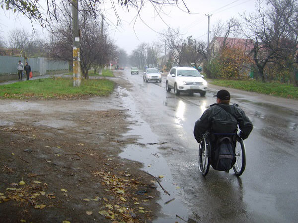 Марафон с препятствиями: Как в инвалидной коляске проехать по Одессе?. инвалидном кресле