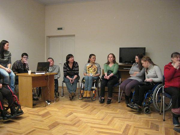 «Спікерське бюро». Підготовка до семінарів у соціальних службах. інвалідністю