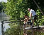 В Сумах обустроили место для купания инвалидов-колясочников КУПАНИЯ
