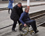 В Житомире проверили доступность ж/д вокзала для людей с инвалидностью (ФОТО) ИНВАЛИДНОСТЬЮ МАЛОМОБИЛЬНЫХ