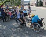 Ревізори на візках проінспектували громадські заклади Кіровограда (ФОТО) ОБМЕЖЕНИМИ МОЖЛИВОСТЯМИ