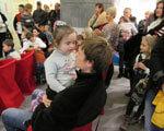 1 23 4 Дауны-марта-на-руках-у-папы-2 2. детей-аутистов, реабилитации