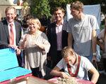Відкриття першого в Україні інклюзивного дитячого майданчика ДІТЕЙ