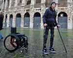 Випущено екзоскелет, який покликаний допомогти ходити людям з обмеженою рухливістю (ВІДЕО) PHOENIX ЕКЗОСКЕЛЕТ