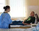 У львівському госпіталі дівчина-інвалід провела зустрічі з пораненими бійцями АТО