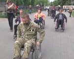 Міські чиновники пересіли на інвалідні візки (ВІДЕО) ІНВАЛІДІВ