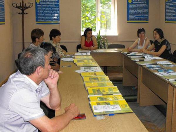 Мешканцям Хуста з особливими потребами розповідали про працевлаштування