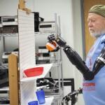 Вчені створили перший у світі протез, який керується силою думки
