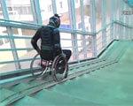 Каскадер протестировал пандусы для инвалидов (ВИДЕО)