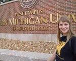 У житті вкрай мало неможливого: Анна Харченко їде вчитися у США в інвалідному візку