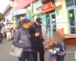 """Як копи """"зцілювали"""" жебраків-інвалідів у Чернівцях (ВІДЕО). копи"""