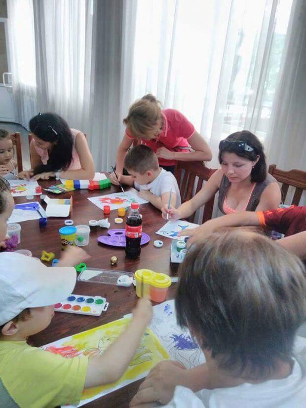Канатная дорога, рыцарский турнир и праздник воды: как отдыхали дети под Винницей АУТИЗМОМ