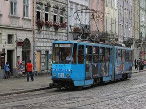 У Львові водій трамваю відмовилася зачекати на людину з інвалідністю. водій трамваю