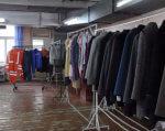 Як у Франківську люди з вадами слуху шиють одяг для українських військових (ВІДЕО). шиють
