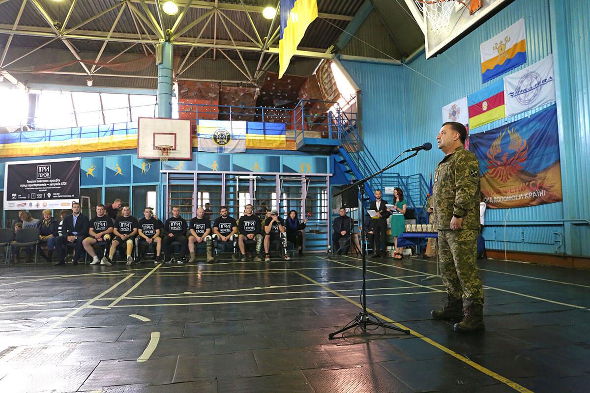 «На вашому прикладі ми будемо виховувати майбутніх військових», – Степан Полторак (ФОТО)