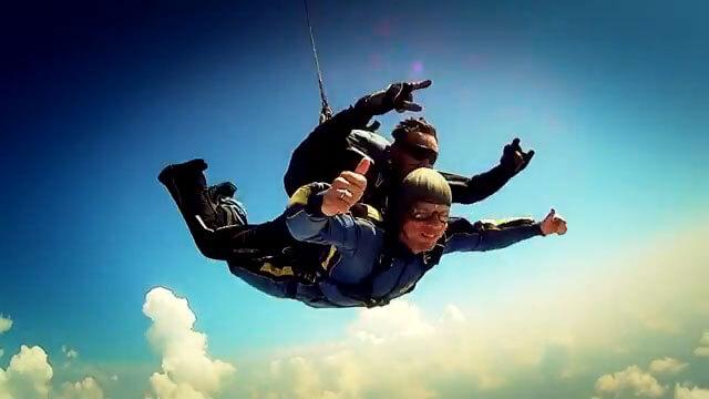 Документальний фільм про проект ДніпроОДА «Так! Ми можемо» отримав нагороду на міжнародному кінофестивалі (ВІДЕО). бійців, sky, outdoor, man, person, water sport, sport, adventure, tandem skydiving, hiking, skiing. A man flying through the air