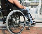 Пандус — підтримка чи перешкода, або коли Черкаси стануть безбар'єрними. доступності, пандус, outdoor, bicycle, wheel, ground, person, sidewalk, bicycle wheel, tire, furniture, seat. A person sitting on a bicycle seat
