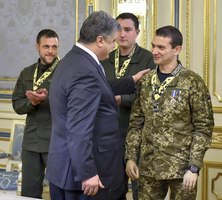 Президент підтримав ініціативу про запровадження офісу Уповноваженого з надання допомоги в реабілітації українським військовим, пораненим в АТО (ВІДЕО)