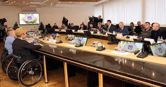 Арсен Аваков: Підвищення штрафу за паркування автотранспорту на місцях для інвалідів планується до кінця року (ФОТО, ВІДЕО)