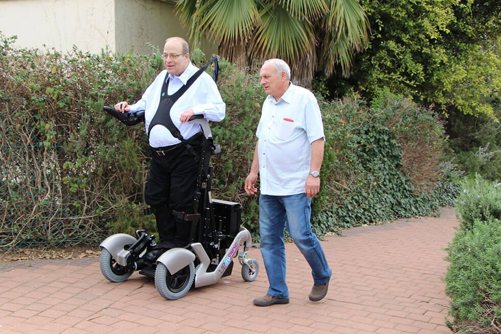 В Ізраїлі створили інвалідний візок, який дозволяє людині вставати (ФОТО, ВІДЕО)