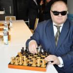 Світлина. На НСК «Олімпійський» відбувся сеанс одночасної гри чемпіона світу з шахів серед сліпих. Спорт, інвалідів, сліпих, Інваспорт