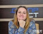 Международный день инвалидов: в Днепре инициируют программу «Родители за Ранее Вмешательство в Украине». инвалидов, раннее вмешательство, person, human face, smile, indoor, clothing, woman, fashion accessory. A person smiling for the camera