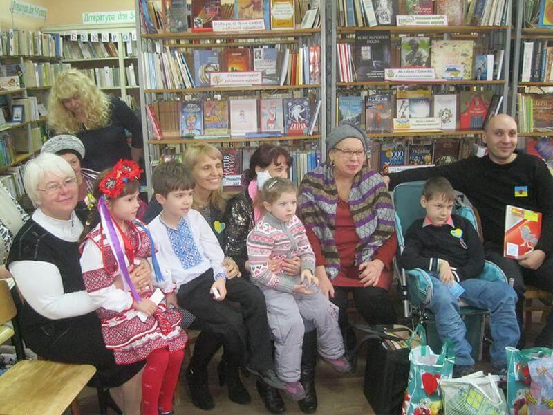 У Краматорську відбулася презентація україномовної бібліотеки, яку заснував 13-річний хлопчик із Сергіївки (ФОТО, ВІДЕО)