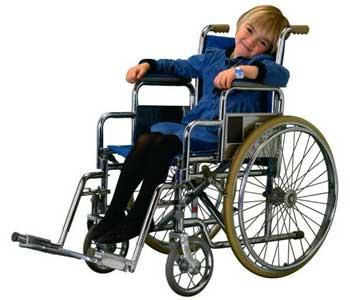 Денис Дзензерський долучився до щорічної акції «Від серця до сердечка». денис дзензерський, київ, мбф «во «крила», акція «від серця до сердечка», інвалідність, wheelchair, furniture, wheel, seat, chair, cart. A man riding on the back of a bicycle