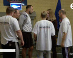 Нескорені: Вісім ветеранів АТО із різними травмами узяли участь у змаганнях з CrossFit (ВІДЕО). crossfit, person, clothing, indoor, man, people, group, sports uniform, line. A group of people standing in front of a crowd