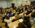 В Університеті «Україна» відбулася наукова конференція з проблем інклюзії (ФОТО). інвалідністю, інклюзивного, інклюзії, indoor, person, wall, clothing, computer, woman, laptop, conference hall, people, meeting. A group of people sitting at desks in a room