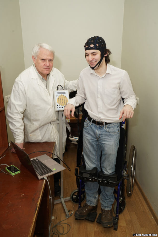 Второе тело Хокинга: как ученый общается с миром. стивен хокинг, боковой амиотрофический склероз, гений, паралич, физик-теоретик