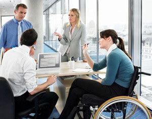 348 осіб з інвалідністю торік знайшли роботу за сприяння служби зайнятості Тернопілля. тернопілля, працевлаштування, служба зайнятості, інвалід, інвалідність, person, clothing, people, research, chair, furniture. A group of people sitting at a table