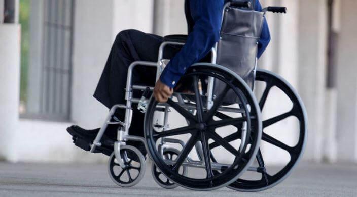 Про ініціативи Мінрегіону з організації просторового розвитку для людей з інвалідністю. дбн, минрегион, доступність, моніторинг, інвалідність, wheel, person, wheelchair, bicycle wheel, bicycle, tire, land vehicle. A statue of a bicycle