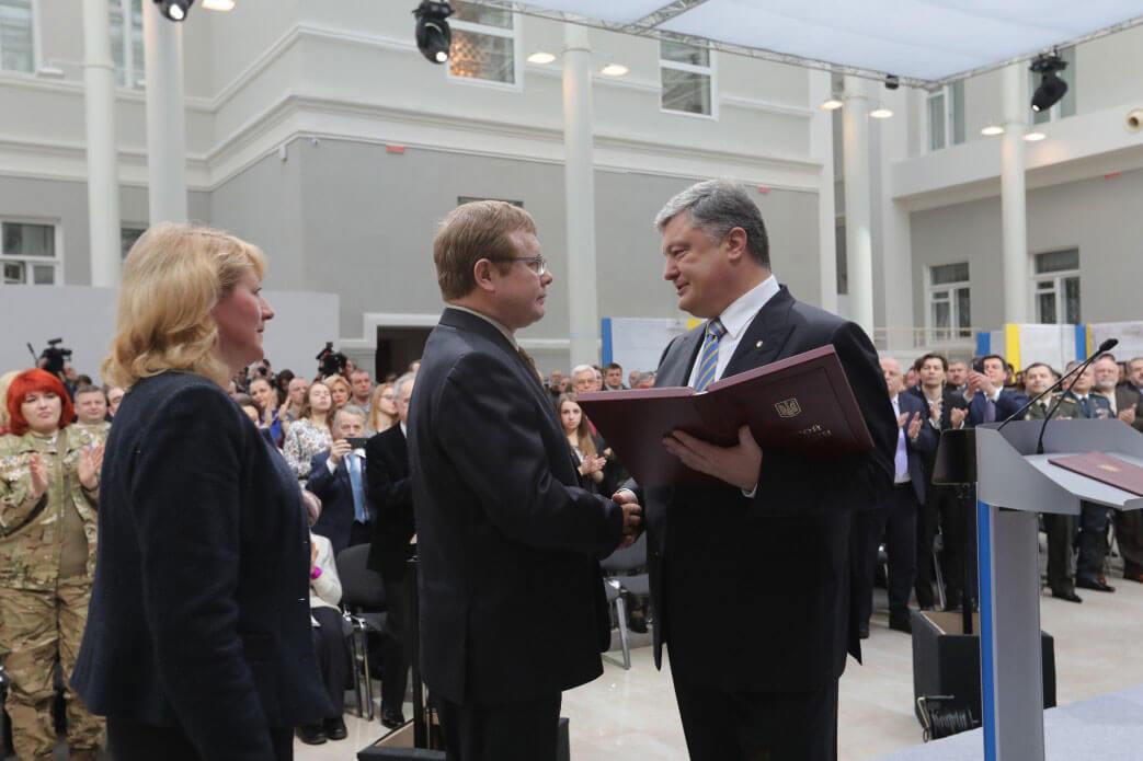 Президент присвоїв звання Герой України Володимиру Жемчугову