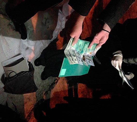 У Києві за оформлення групи інвалідності медики вимагали 800 доларів США. київ, медик, неправомірна вигода, хабар, інвалідність