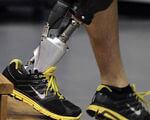Хмельницьке ортопедичне підприємство пропонує якісне протезування (ВІДЕО). хмельницький, ортопедичне взуття, протез, протезне підприємство, протезування, person, indoor, footwear, feet. A close up of feet wearing blue and black shoes
