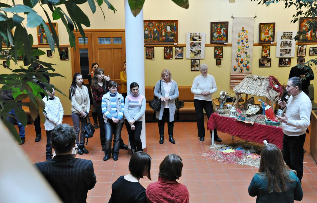 В УКУ представили виставку ікон, які малювали люди з особливими потребами