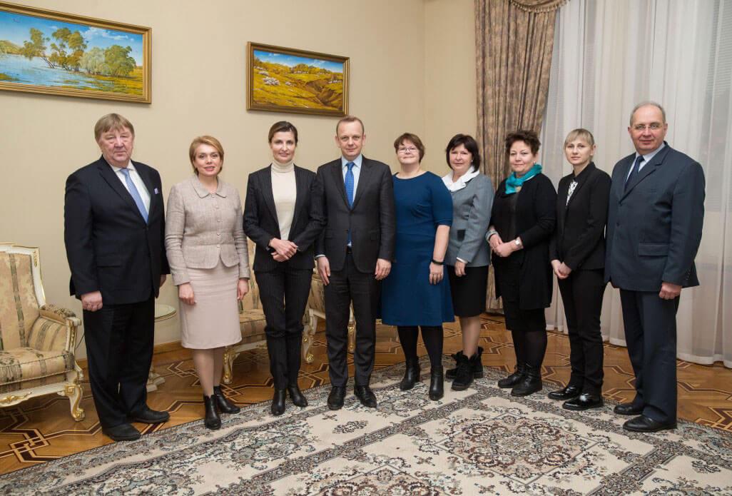 Інклюзивні школи в Україні мають стати престижними – Марина Порошенко зустрілась з естонськими експертами в галузі освіти