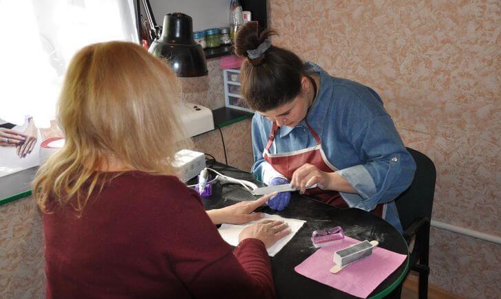 При поддержке USAID 150 переселенцев с инвалидностью нашли новую работу в Донецкой области