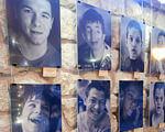 Інтернат — не вирок: в Івано-Франківську нагадують про рівноправні можливості усіх дітей. івано-франківськ, будинок-інтернат, виставка фотопортретів, особливими потребами, інвалідність, human face, person, painting, smile, picture frame. A bunch of graffiti on a wall