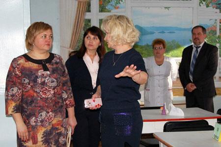 Тетяна Головко відвідала з робочим візитом обласний центр соціальної реабілітації дітей-інвалідів (ФОТО)