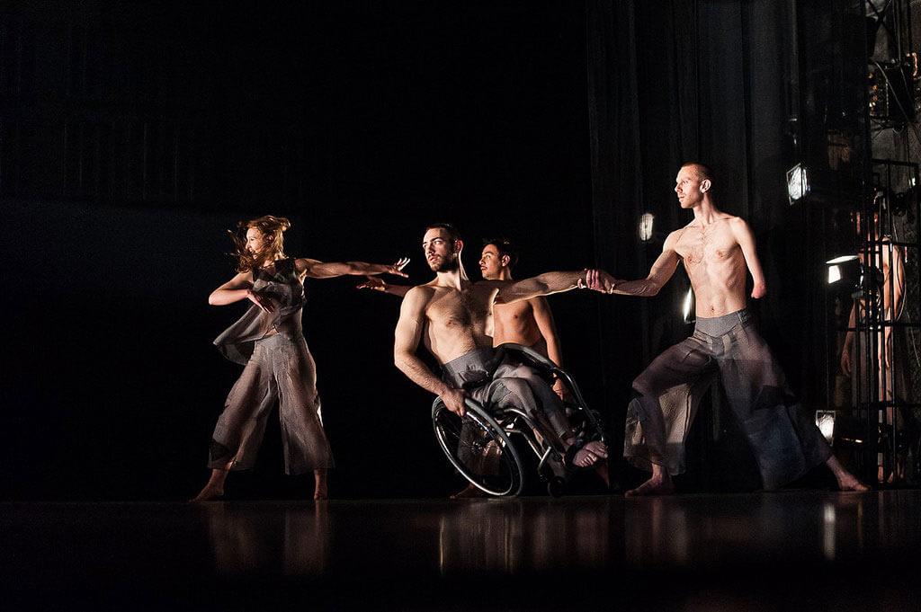 У Києві виступили танцівники всесвітньо відомого інклюзивного колективу (ФОТО)