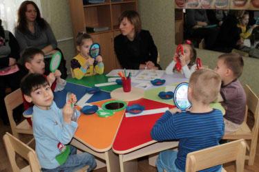 Діти з особливими потребами мають навчатися нарівні з однолітками