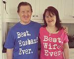 22-річчя шлюбу відсвяткувала пара з синдромом Дауна (ФОТО). діагноз, кохання, синдром дауна, сімейне життя, шлюб, person, cabinet, kitchen, smile, human face, clothing, indoor, t-shirt. Guy Quigley standing in a kitchen