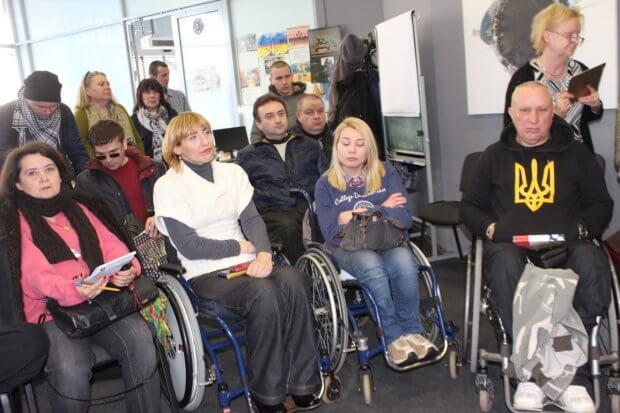 Харків – прекрасне місто, але на візку пересуватися складно – правозахисник. калле конкола, харків, круглий стіл, правозахисник, інвалідність