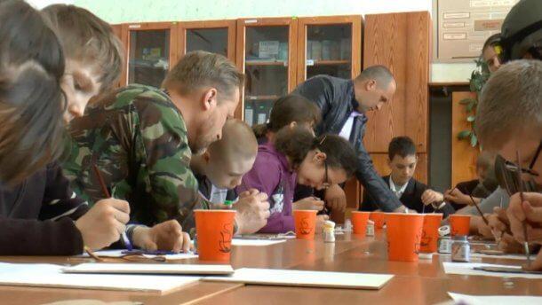 Арт-терапія: військові АТО віддячили за підтримку дітям з особливими потребами (ВІДЕО)