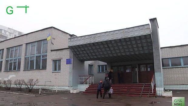 Жодна з восьми інклюзивних шкіл Чернігова не підлаштована під дітей з особливими потребами (ВІДЕО) ЧЕРНІГІВ ПАНДУС ІНВАЛІДНИЙ ВІЗОК ІНВАЛІДНІСТЬ ІНКЛЮЗИВНА ШКОЛА